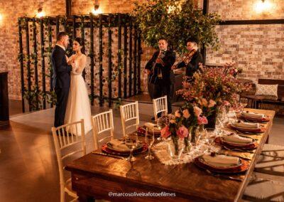 mesa comunitária decorada casamento